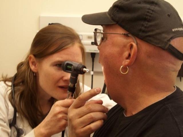 sintomas do cancer de garganta causado pelo hpv)