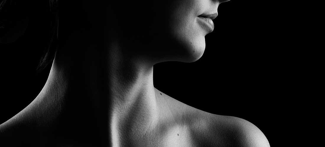 cancer laringe simptome)