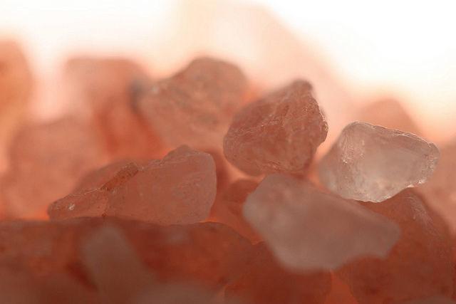 detoxifiere cu sare de himalaya)