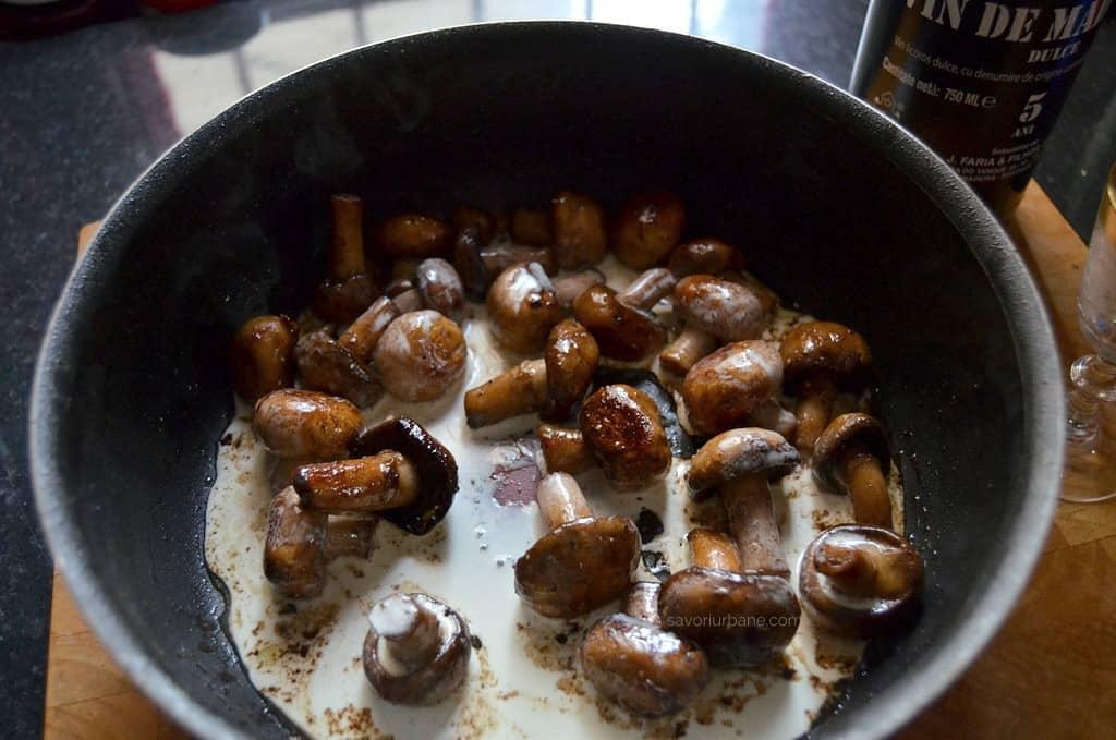ciuperci brune sote)