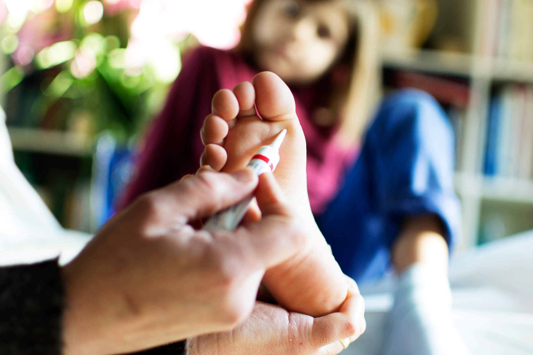 HOW TO TREAT DIFFICULT PLANTAR WARTS REMOVAL - FOOT HEALTH MONTH #9