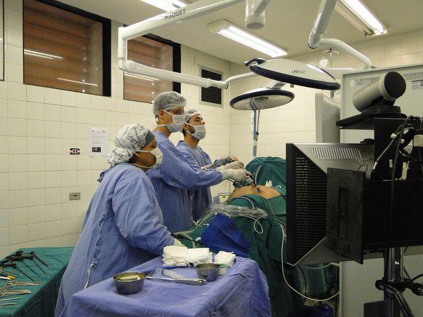 cauze cancer la rinichi)