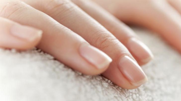 Semnul de pe unghie care anunță cancerul de plămâni