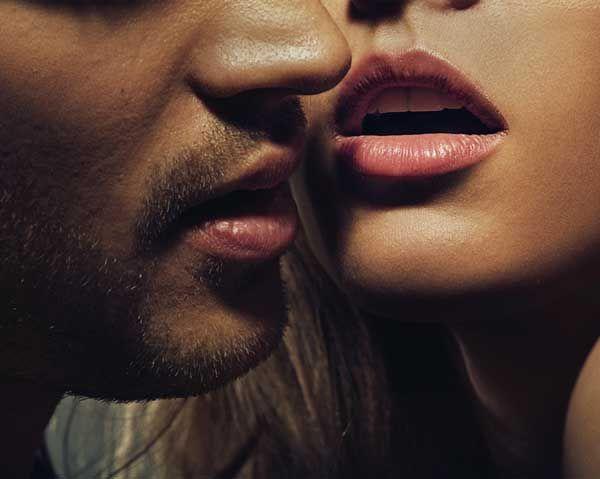 Atenţie: sexul oral şi fumatul cresc riscul de cancer la gât!